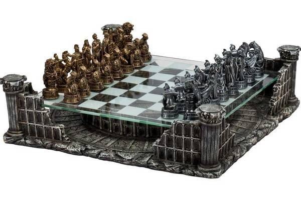 Roman Gladiator Chess Set